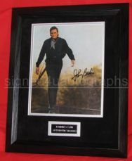 COUNTRY AND OUTLAW LEGEND JOHNNY CASH SIGNED MAGAZINE PAGE FRAMED
